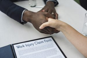 When to Contact a Workers' Compensation Lawyer